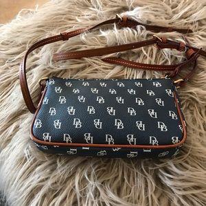 Dooney & Bourke Bags - Dooney & Bourke Crossbody - Gently Used